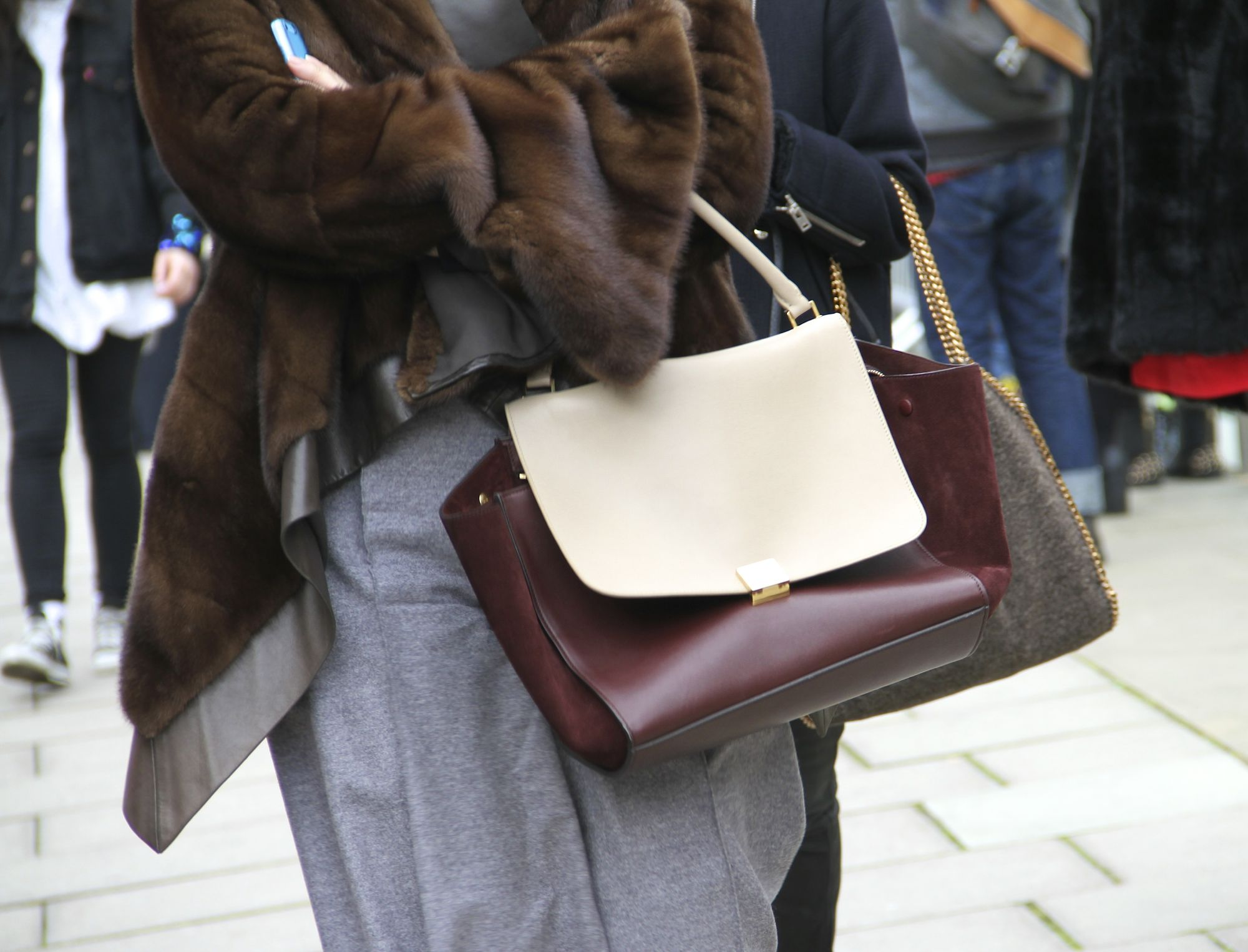 Street Style Celine Trapeze bag Style Barista