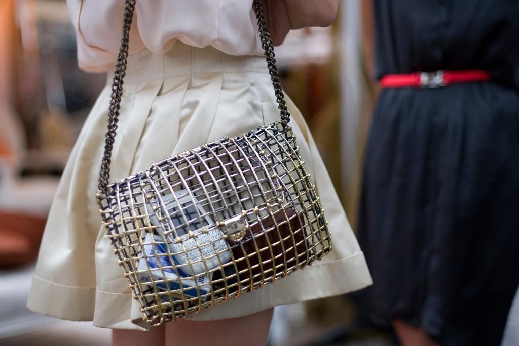 cage-bag-ny-fw-ss2012-street-style-adrea-neen