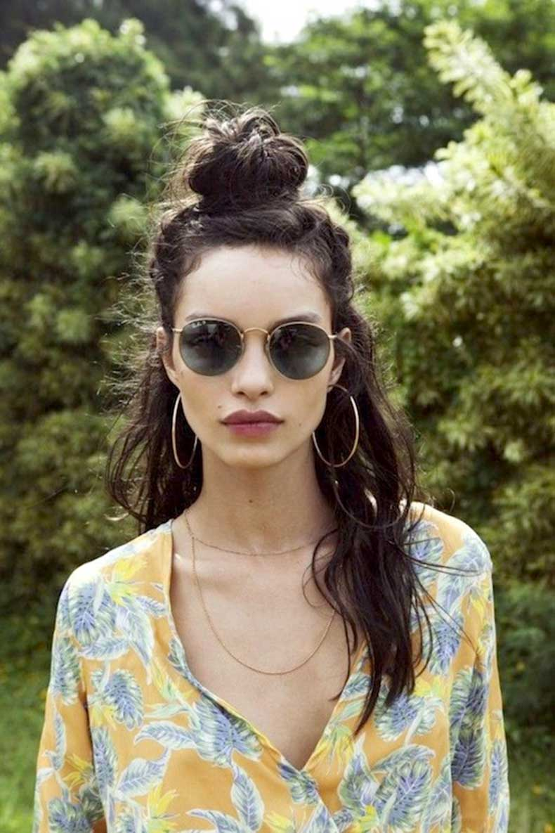 8-Le-Fashion-Blog-20-Inspiring-Half-Up-Top-Knot-Hairstyles-Long-Brown-Wavy-Hair-Bun-Via-For-Love-And-Lemons1