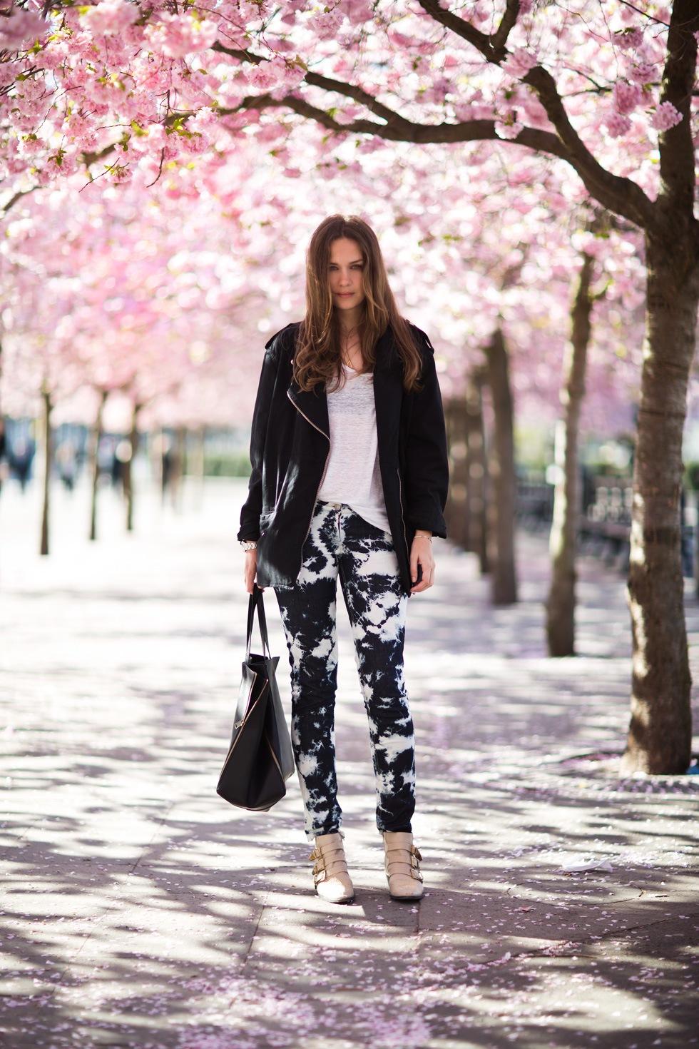 Street-Style-Printed-Denim-Jeans-10