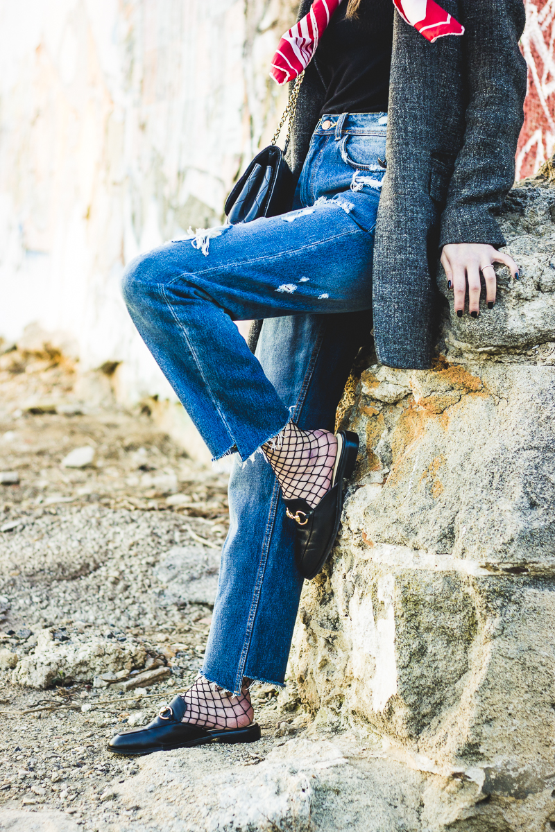 babuchas-calcetin de rejilla-ripped jeans-_www.shoesandbasics.com_blogger-outfit-street style-_9