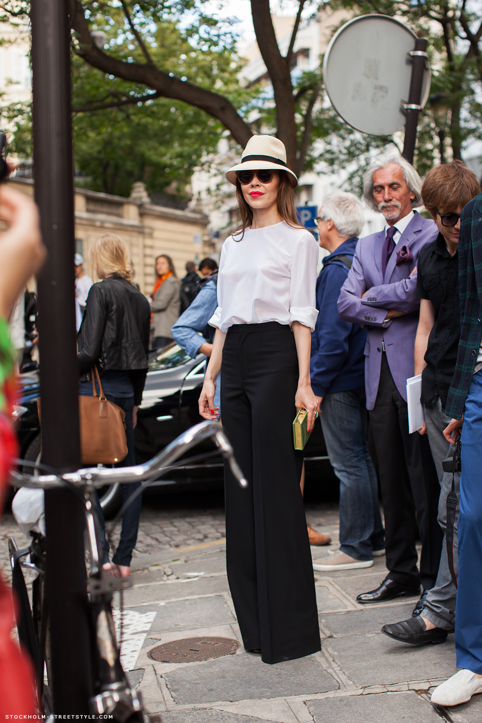 ulyana-sergeenko-high-waisted-pants-black-white-outfit-paris-2012-hat