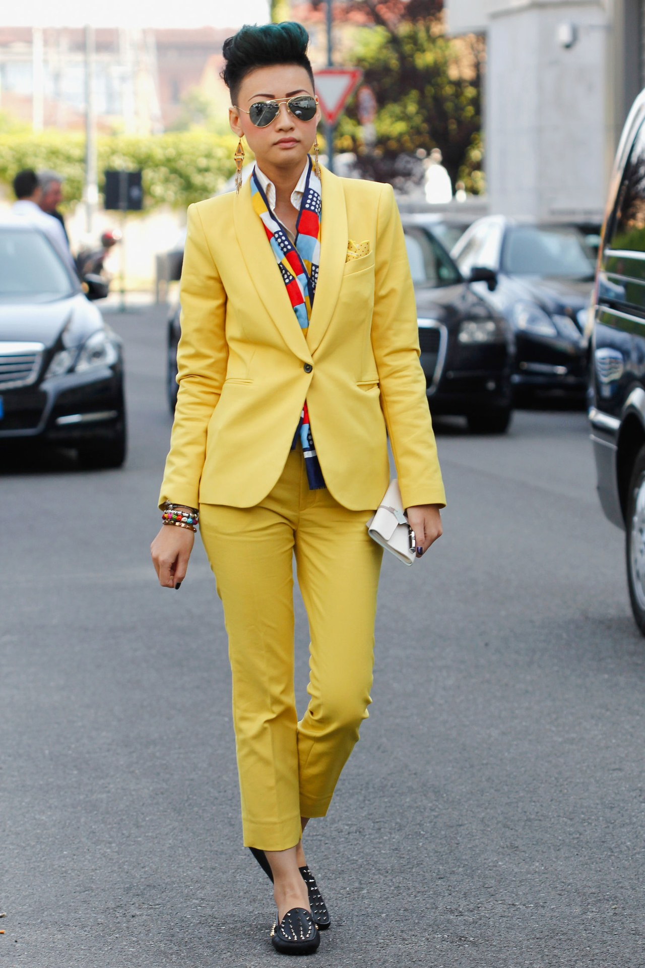 fashion-2013-07-esther-quek-street-style-yellow-suit-main